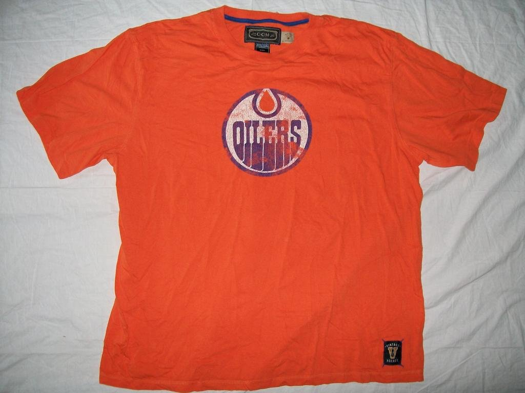 Edmonton oilers ccm vintage t shirt nhl xxl for Retro nhl t shirts